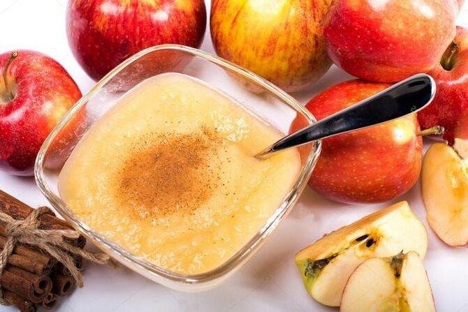 Фруктовое пюре из яблок с корицей